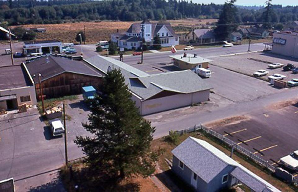East 1975