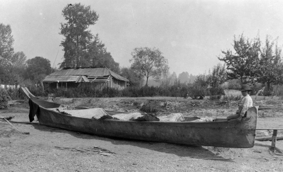 1 duwamish-westcoast-canoe-and-longhouse-cedar-river-1893