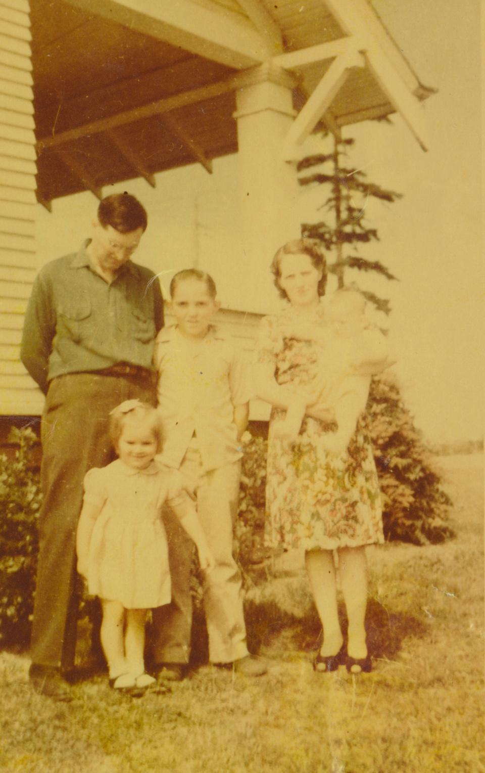 harold family.jpg